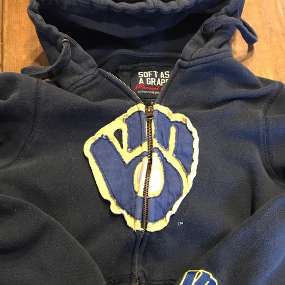 new styles 77261 72e13 Milwaukee Brewers hooded sweatshirt